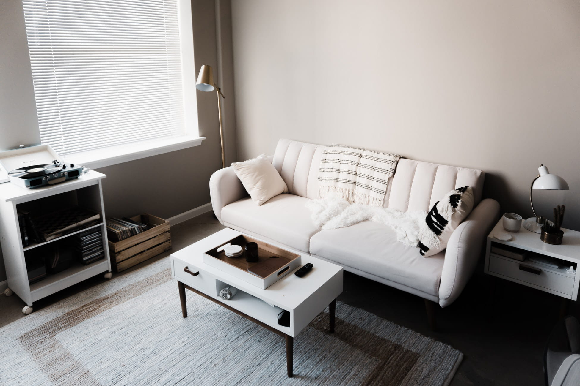 Choosing An Area Rug Without, What Color Rug For Small Living Room